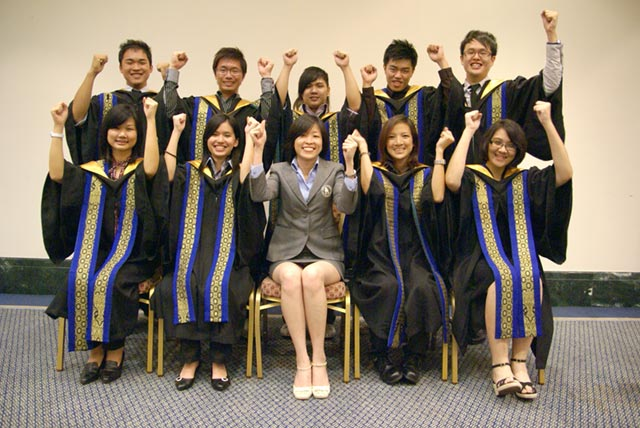 HOGA & OUM 2011 Students
